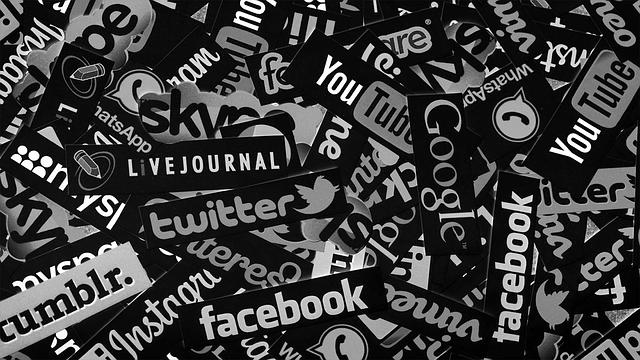 social-media-1806995_640